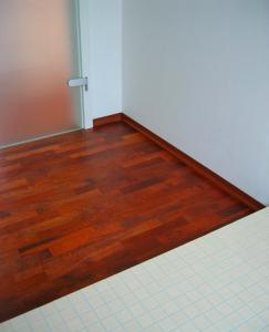 Montáž masívnej podlahy z exotického dreva