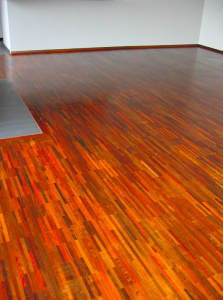 Montáž a renovácia masívnej podlahy z exotického dreva